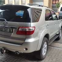 Toyota Fortuner 2.0 D4D Automatic Comfort Line 100% good condition