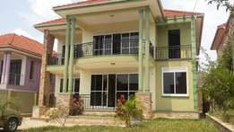 5 bedroom beautiful storied house 4 sale in Naalya at 620m Ugx