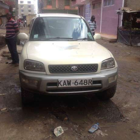 Old school Clean Toyota Rav 4 lady owner just buy and drive Nairobi CBD - image 1