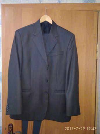 11d8210638106b Стильний чоловічий костюм: 600 грн. - Чоловічий одяг Калуш на Olx