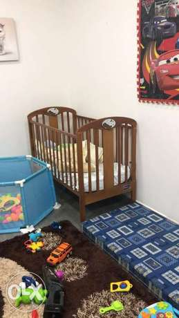 Baby wood bed+فرشة+couvre lit