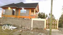 Vacant 4bedroomed new own Compo Mansionette a gated community court