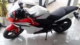 2011 Honda CBR600F Bike Red&White Excellent Condition