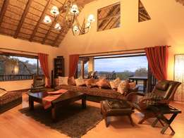 Luxurious Spacious Bush Lodge in Mabalingwe Game Reserve