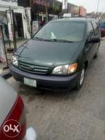 Very Clean Registered TOYOTA SIENNA 2002 Model available for sale