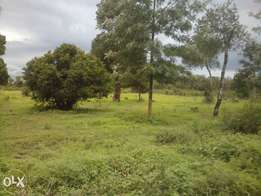 Vacant land.Prime area next to Nanyuki Airstrip.Less 100m from Tarmac.