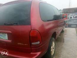 Dodge Caravan 2001 (space bus)