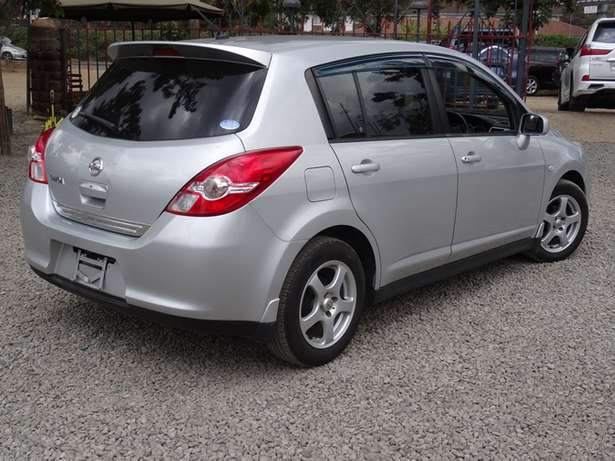Nissan Tiida silver colour 2010 model excellent condition Kilimani - image 1