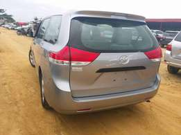 Sienna 2014 full option tokumbo