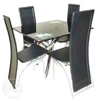 Brand new rectangular dinning set with 4 chairs
