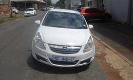 Corsa astra 1.4 white in color 2007 model hatshback 91000km R75000