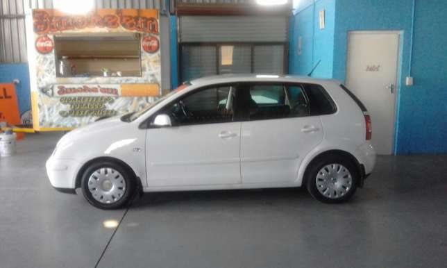 VW Polo 1.6 Hatch 186000 km R 59000 Mossel Bay - image 3