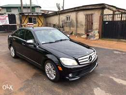 2008/2009 Mercedes Benz C300 4matic on Black on Black Leather Interior