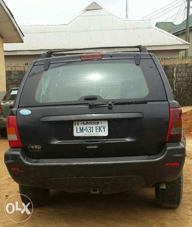 Clean Grand Cherokee Jeep Port-Harcourt - image 6