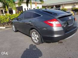 Neatly used 2012 Honda crosstour SUV..