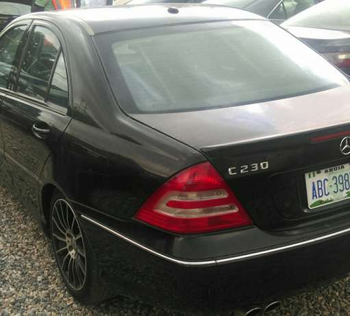 Mercedes Benz C230. super clean Ikeja - image 3