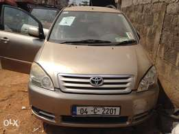 Tokunbo (foreign used) Toyota Avensis verso 2003