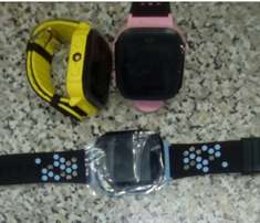 Smart tracker watches kids