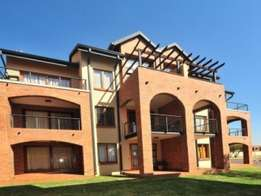 Carlswald Hilltop Lofts 1bedroomed loft unit to let for R4800 pre-paid