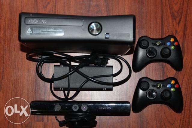 xBox 360 + 2 Controllers + 1 Steering + 12 Games Highridge - image 1