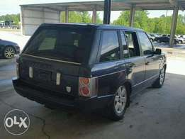 Very Clean 2004 Range Rover For Sale; N3.8m. Mileage: 14k
