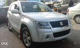 Pearl white Suzuki escudo available black n white