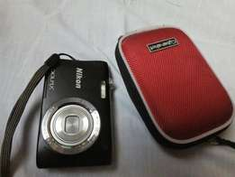 Nikon Coolpix 21 pxl, × 5 zooming power,Video recording, 8gb memory