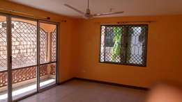 To let spacious 3 bedroom apartment with master bedroom