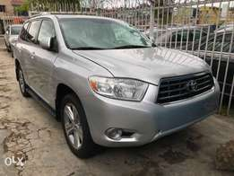 Toyota Highlander sport fully loaded Dvd