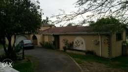 4 bedroom cosy family house with pool