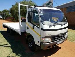 2011 Toyota Hino 300 815 For Sale with 6 M Bin