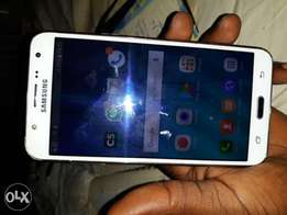 Neatly used galaxy j7 up for grabs
