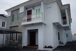 Duplex to let in lekki for 3.7million