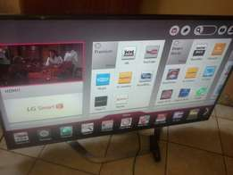 42 LG 3D smart TV 2month model:(42lm6410)stil like brand new vry clean