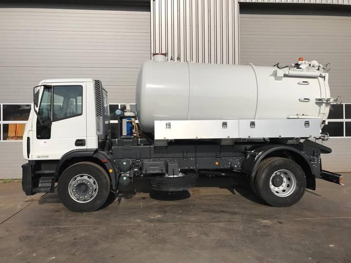 Iveco EUROCARGO ML180E28 4X2 Vacuum Truck 10.000L - 2018