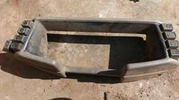 1991 Isuzu Kb 280 dash cover plus switches R500 and s/wheel R500.