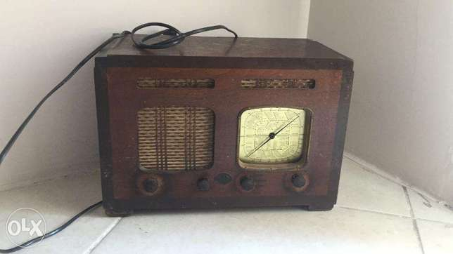 Antique radio (price dropped)