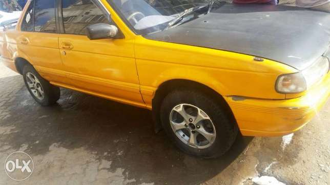 Nissan b13 1300cc fully running car body work only needed new tires Pangani - image 4