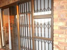 Sonneveld Brakpan 1stfloor Apartment for sale - Sunsetboulevard
