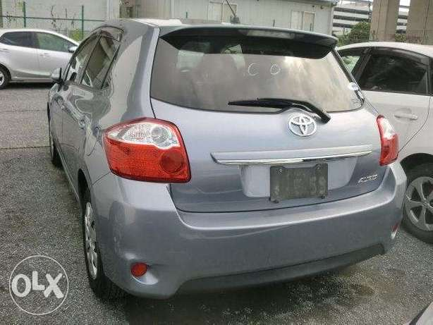 Toyota Auris metallic blue colour 2010 model excellent condition Kilimani - image 2