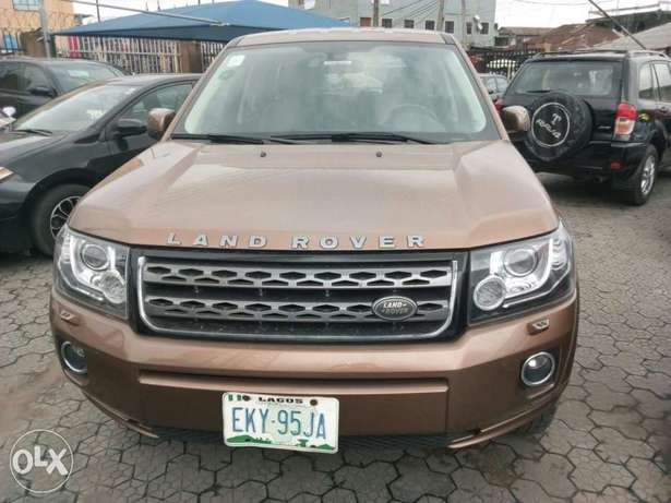 ADORABLE MOTORS: A Few months used 2015 Land Rover Freelander 2 Lagos Mainland - image 3