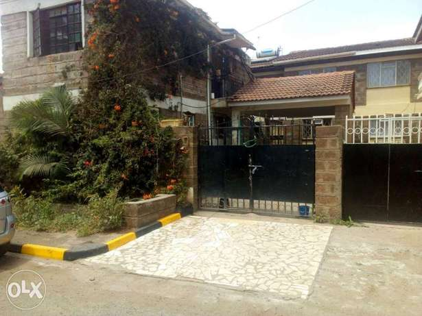 House for sale in south c 4 bed rooms 1/4 acre asking 19m Parklands - image 4