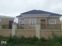 5 bedroom bungalow with basement at apo resettlement for sale