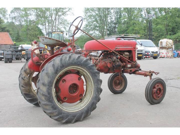 McCormick International Farmall FF Cup Tractor *DEFECT* - image 5