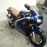 Honda VFR 750cc Power Bike