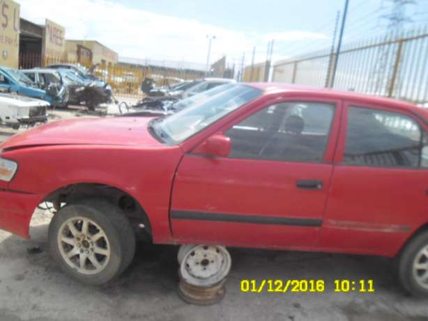 Toyota corolla AE100 stripping for spares Roodepoort - image 4