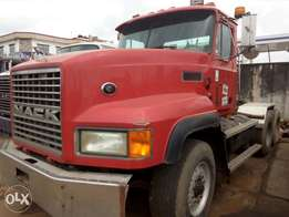 Direct toks Mack CH truck head for sale