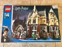 Vintage Collectible LEGO Harry Potter Large Hogwarts Castle Set!