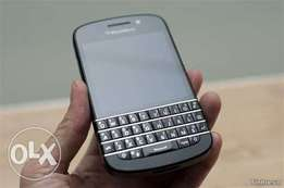 Blackberry q10 clean and working perfect.