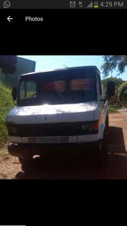 """Bukkie a' truck for hire""""Rabble, sand ,stone property movals and more"""" Grassy Park - image 2"""